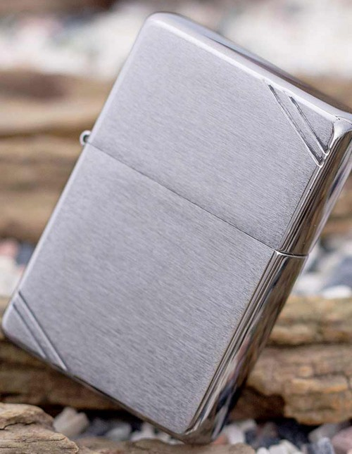 Original Zippo Upaljač Vintage Brushed Chrome with Slashes 230